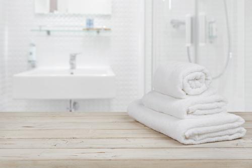 Offerte Badkamer Verbouwen : Badkamer verbouwen of installeren in nieuw vennep beinsdorp en